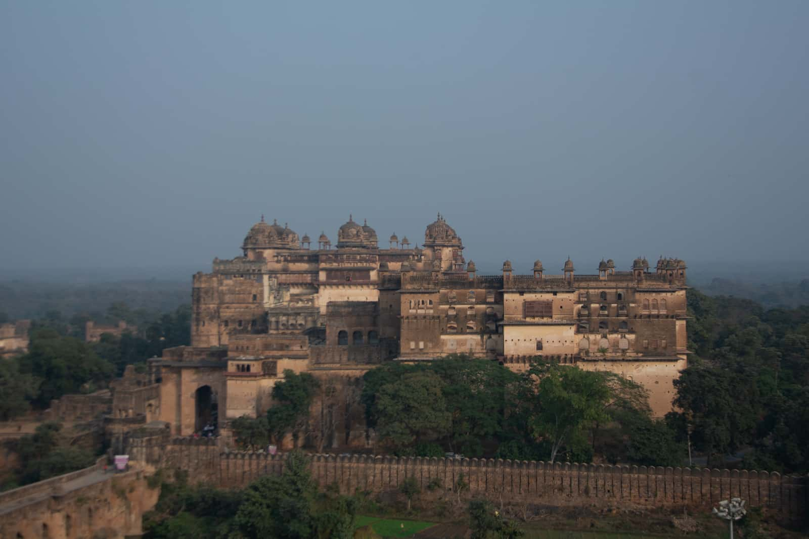 Raja Mahal and Jahangir Mahal - A quick guide to travel in Orchha - Lost with Purpose travel blog