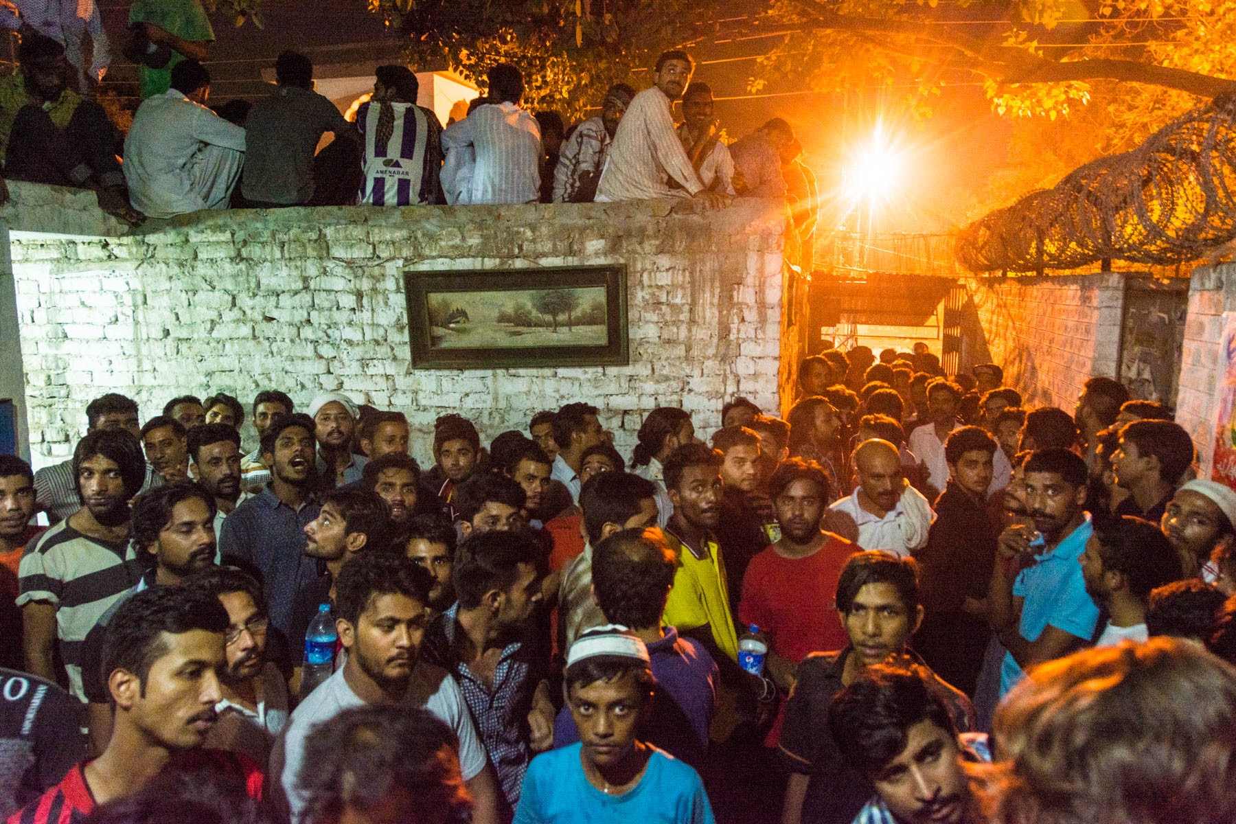 Sufi dhamal in Lahore - Crowd of men at Shah Jamal shrine on Thursday night - Lost With Purpose travel blog
