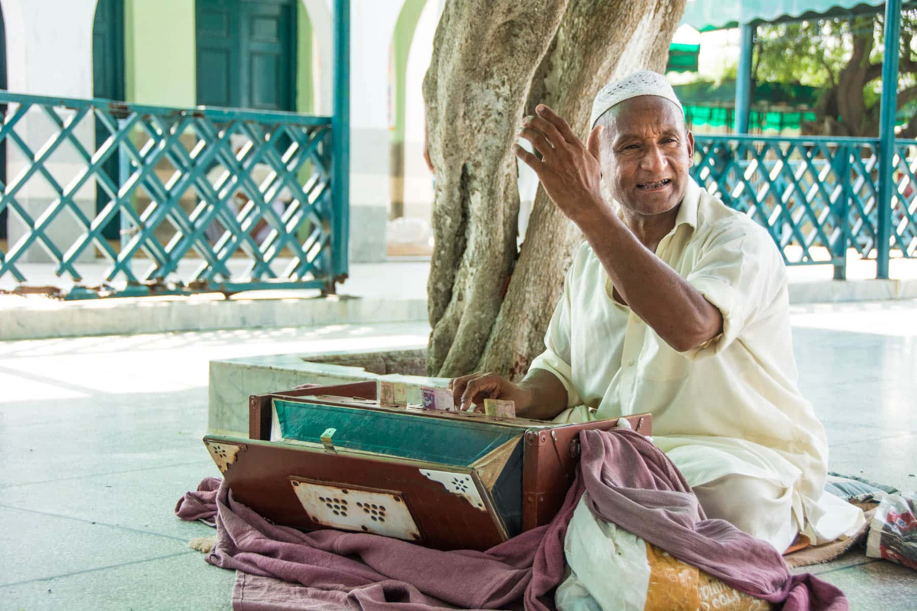 Day trips from Lahore, Pakistan - Harmonium player at the shrine of Baba Shah Kamal Chisti in Kasur